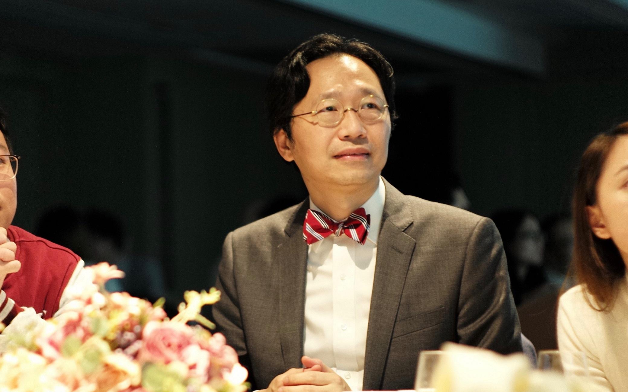 Dr. NG Mau-yuen, Eric